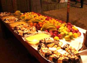 desert-safari-dubai-buffet-food