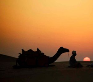desert-safari-dubai-sunset-scene